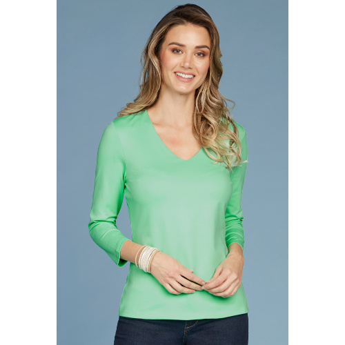 Relaxed Fit V Neck 3/4 Sleeve