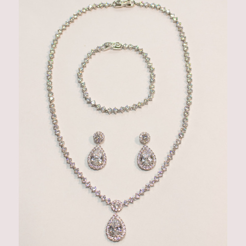 Hera Gem 2735s Jewelry at Helen Aisnon in Darien CT